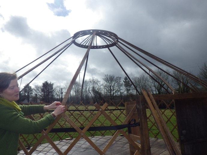 Dancing around an invisible Maypole