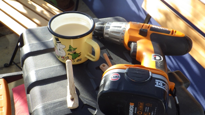 Other tools required for a precision job - note the cup of tea