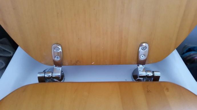 Ooh! Shiny new hinges!